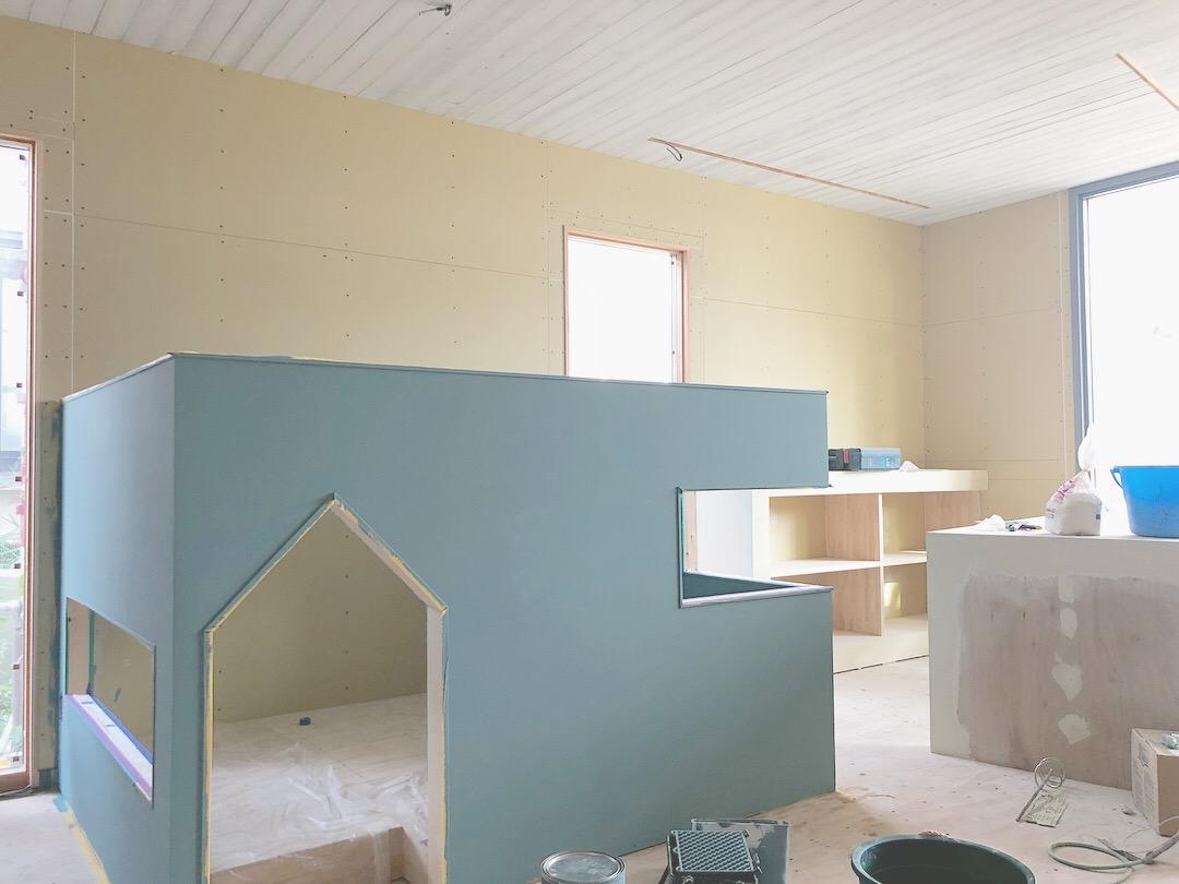山梨県の工務店、未来建築工房の新社屋内にあるキッズスペース。