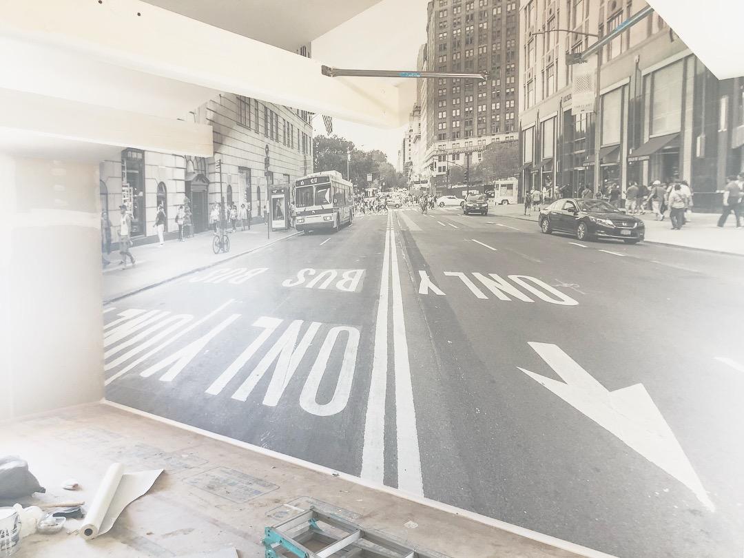 山梨の注文住宅、未来建築工房の新社屋にニューヨークの写真を印刷した壁紙が貼られました。