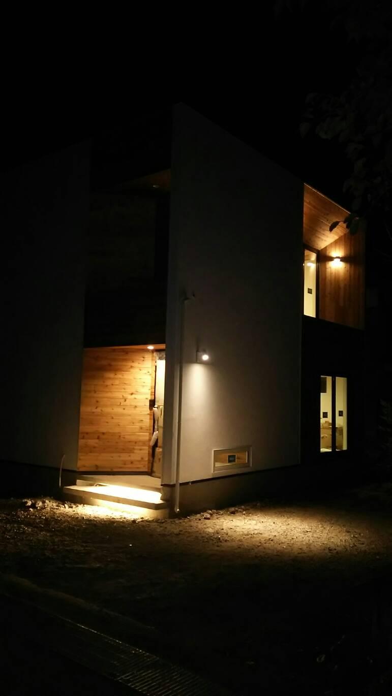 山梨県の工務店、未来建築工房とつくる注文住宅。|都留市の家、おしゃれな外観