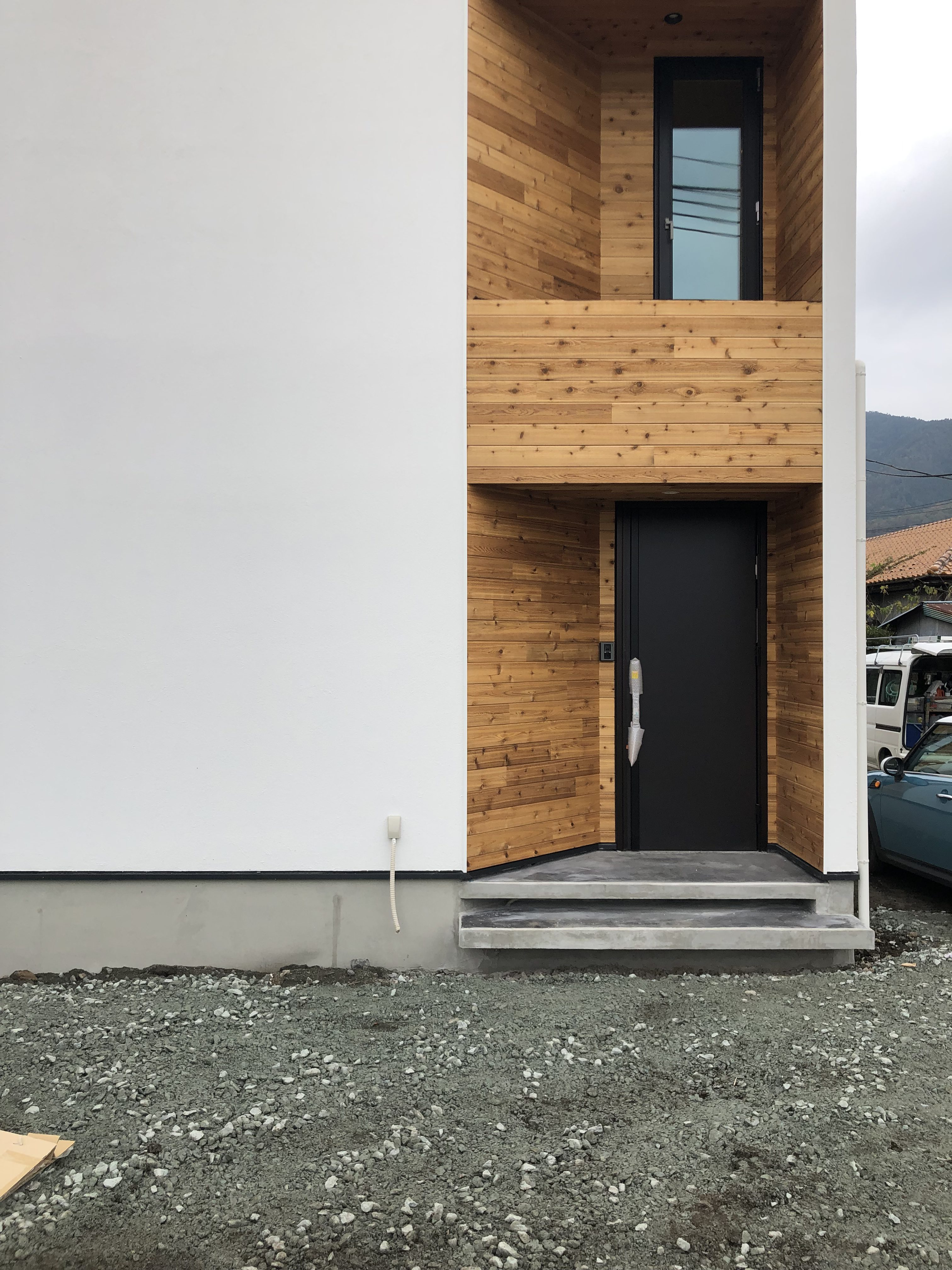 山梨県の工務店、未来建築工房とつくる注文住宅。|都留市ホテルライク スタイルの家、おしゃれな外観