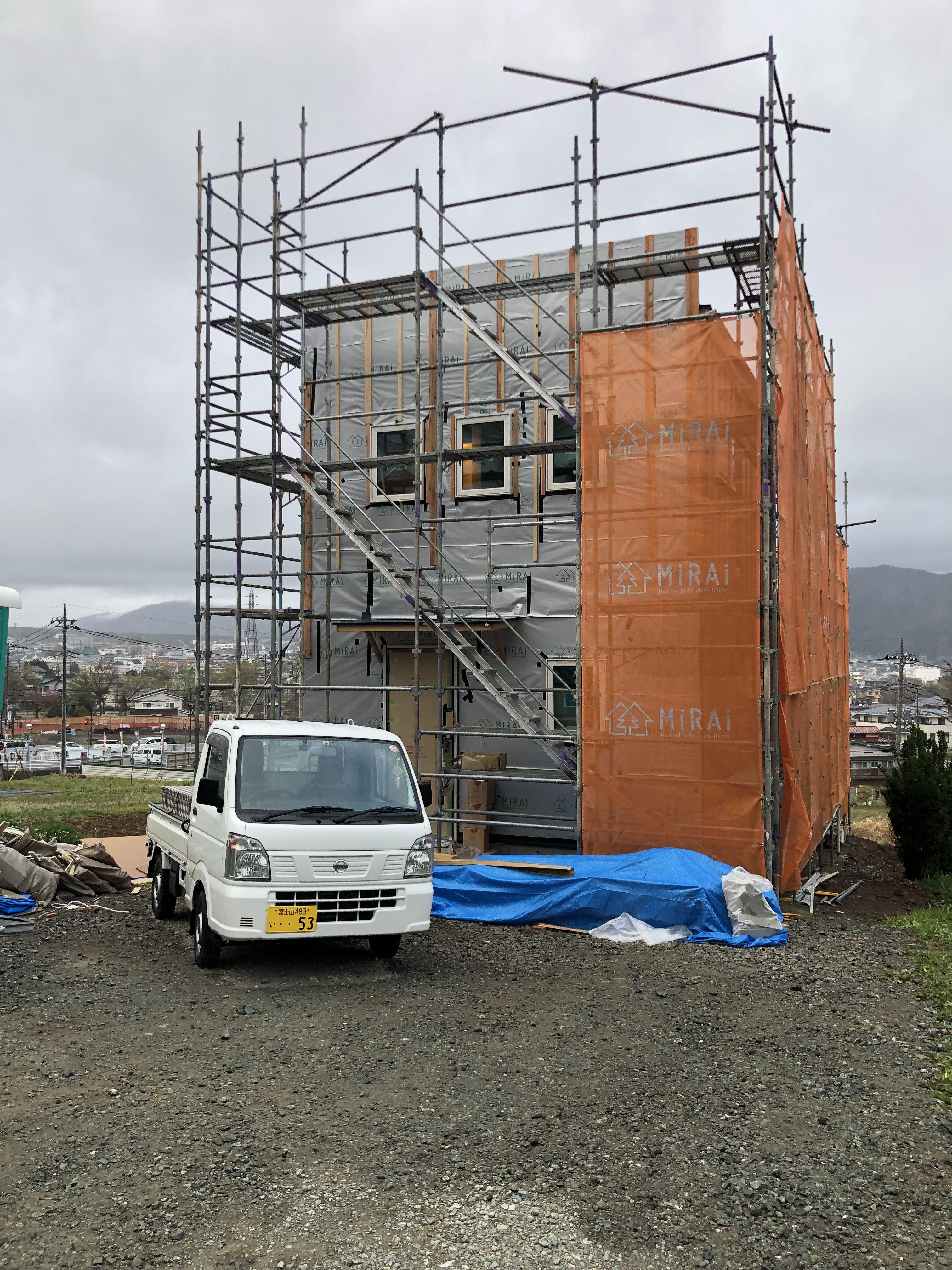 山梨県の工務店、未来建築工房とつくる注文住宅。|ブルーノが似合うカフェスタイルの家
