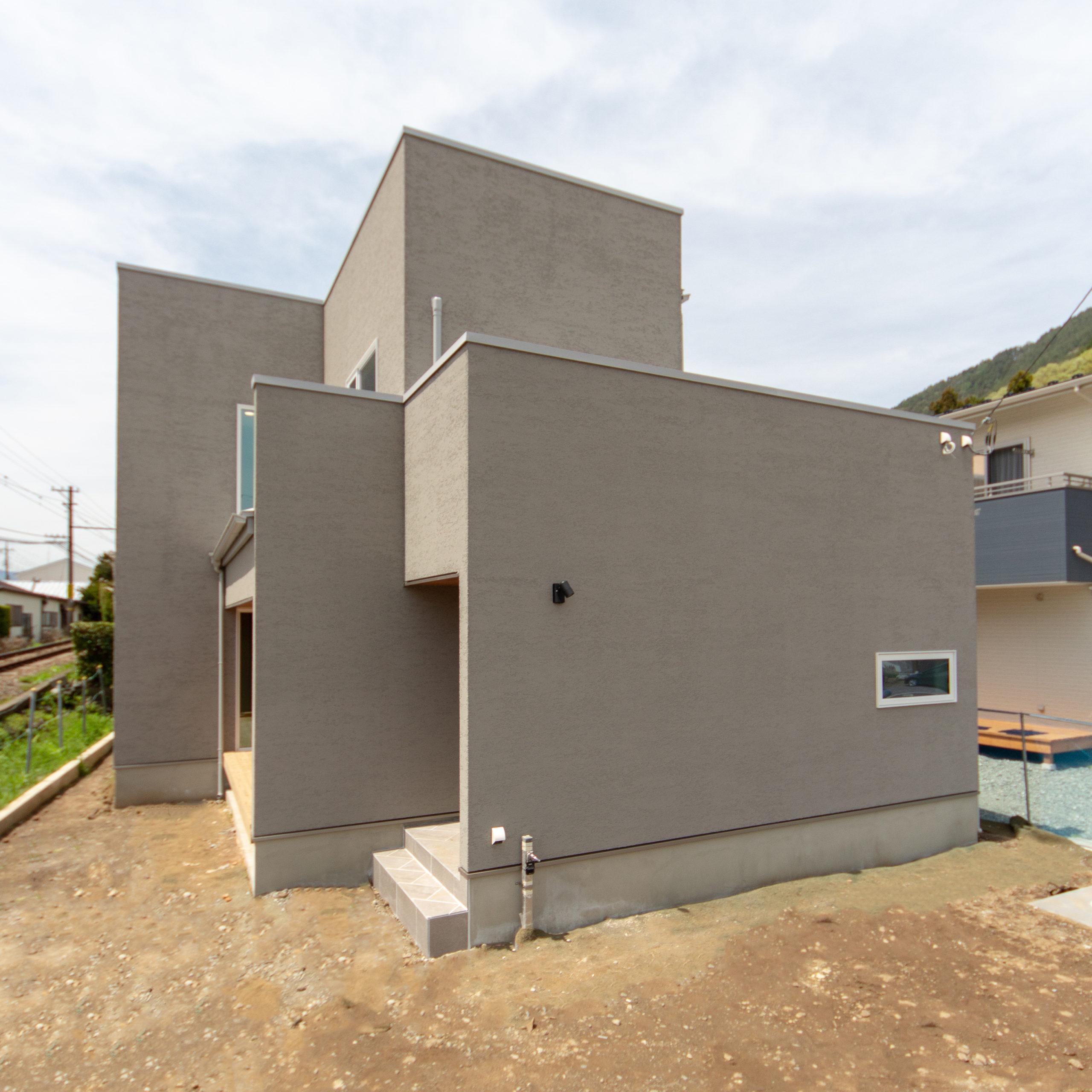 山梨県富士吉田市のおしゃれなお家。