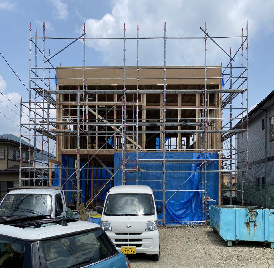 山梨県の工務店、未来建築工房とつくる注文住宅。 富士吉田市のブルックリンスタイルの家、建て方