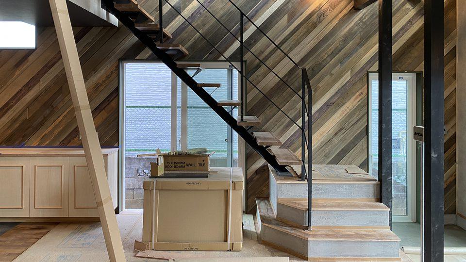 ブルックリンスタイル 階段 富士吉田